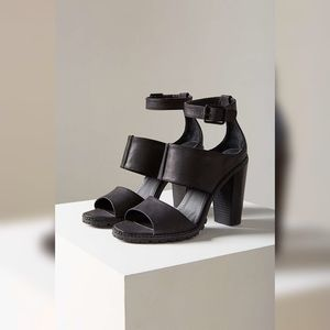 Kelsi Dagger Brooklyn Liza Triple Strap Sandal